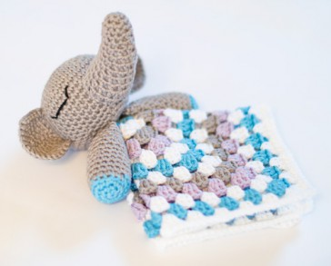 Crochet Elephant Security Blankets - YouTube | 293x364