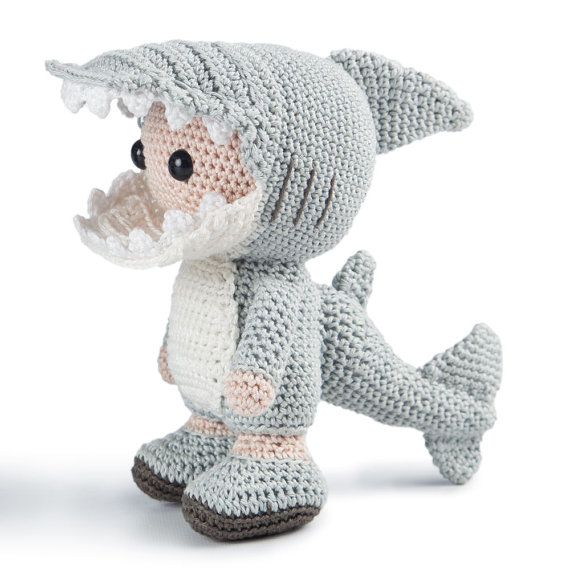 PATTERN: Shawn the shark - Crochet shark pattern - amigurumi shark ... | 570x570